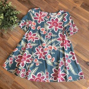 NWOT! Old Navy Girls Shift Dress. Size 3T.